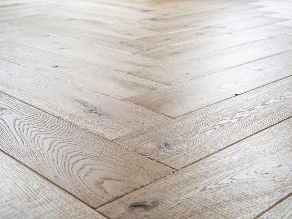 Oak New Cotton Mill 15x150x750mm herringbone mat lacquer Real